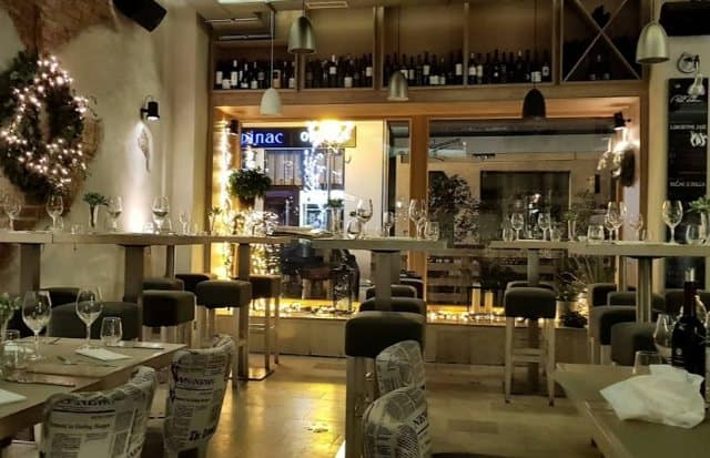 Winelover hangout in Zagreb - Pod Zidom Wine Bar